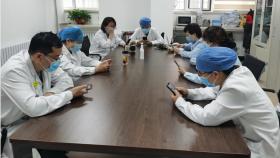 济南市口腔医院特诊科收看抗击新冠肺炎疫情巡回宣讲