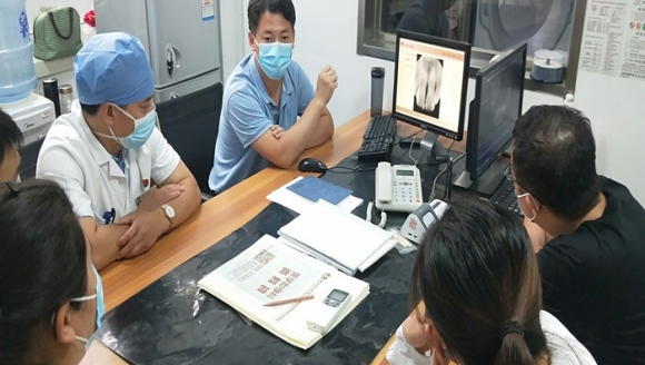 济南市口腔医院医学影像科进行业务学习