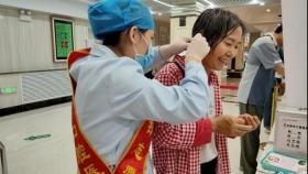 """志愿服务:济南市口腔医院""""活雷锋"""" 就在你身边"""