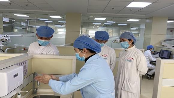 市口腔医院牙体牙髓病1科进行实习生手卫生培训