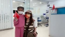 济南市囗腔医院东院区为国庆假期来就诊的患者送上祝福小国旗